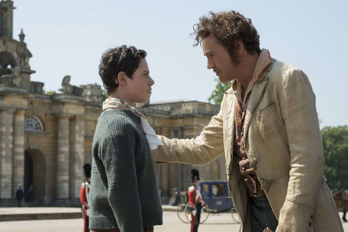Die englische Königin muss gerettet werden um sich selbst  zu retten. Dr. Dolittle vor dem Königspalast mit seinem neuen Helfer.