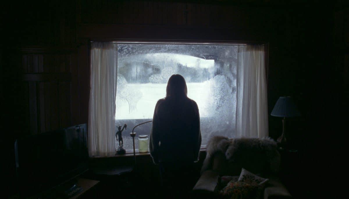 """Draußen lauert das Unbekannte. Kinomeister Filmkritik zu """"The Lodge"""" - Kinostart am 06.Februar 2020"""