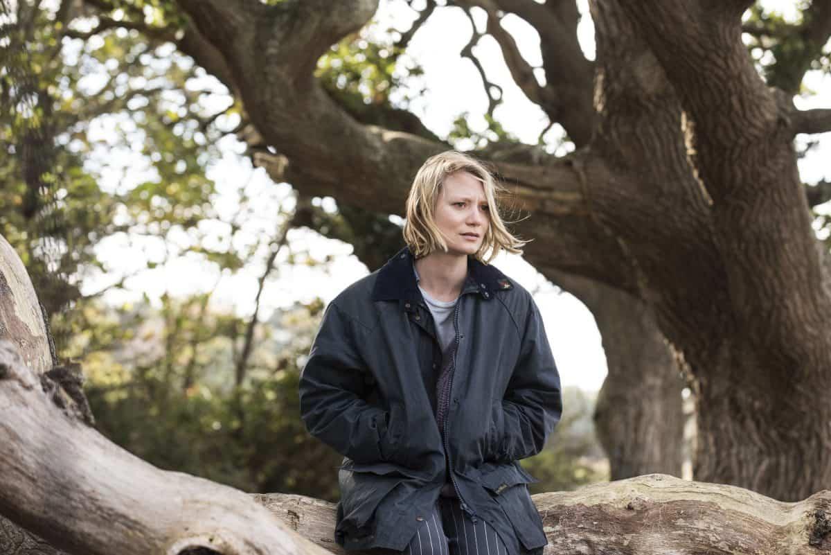 Anna (Mia Wasikowska) in einer Szene aus dem kommenden Film Blackbird