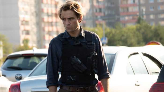 Robert Pattinson als Neill in Tenet