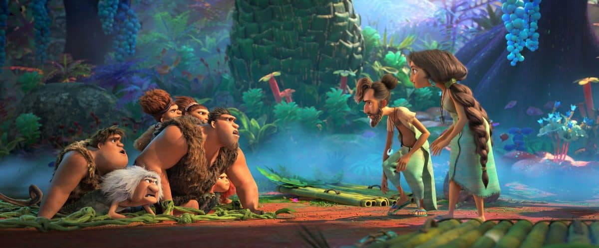 The Croods (links) treffen Die Bettermans (rechts) in DreamWorks Animation's Die Croods: Alles auf Anfang.Regie von Joel Crawford.DieCroods (von l-r): Thunk (Clark Duke), Gran (Cloris Leachman), Sandy (Kailey Crawford), Grug (Nicolas Cage), Ugga (Catherine Keener) und Eep (Emma Stone). Die Bettermans (rechts im Bild): Phil (Peter Dinklage) und Hope (Leslie Mann).