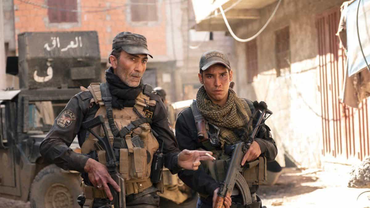 """Suhail Dabbach (links im Bild und Adam Bessa in """"Mosul""""  ©Netflix"""