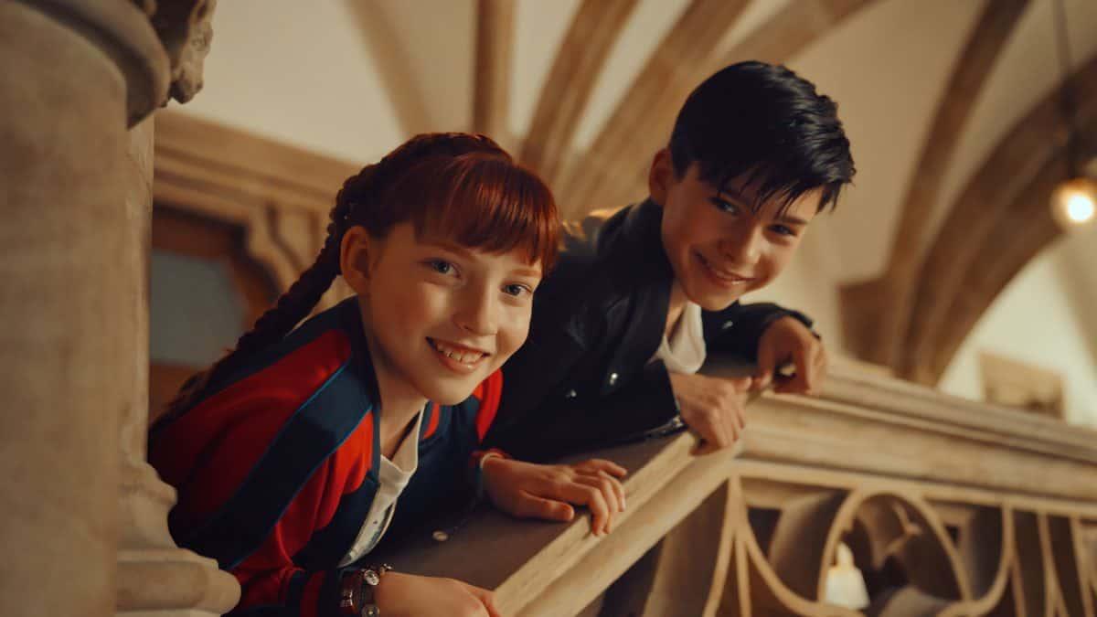 Ida (Emilia Maier) findet Jo (Loris Sichrovsky) ziemlich cool.