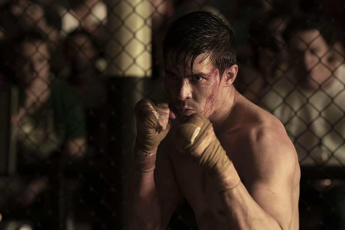 "LEWIS TAN als Cole in New Line Cinema's action adventure ""Mortal Kombat,"""