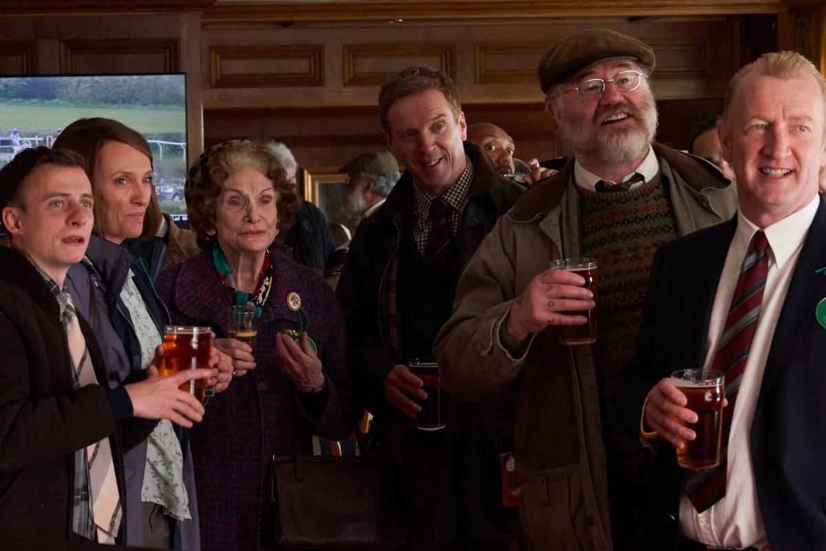 Darren Evans, Toni Collette, Siân Phillips, Damian Lewis, Owen Teale, Steffan Rhodri im Film Dream Horse