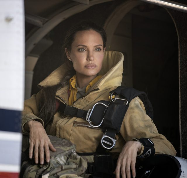 """ANGELINA JOLIE als Hannah in New Line Cinema's thriller """"THOSE WHO WISH ME DEAD"""
