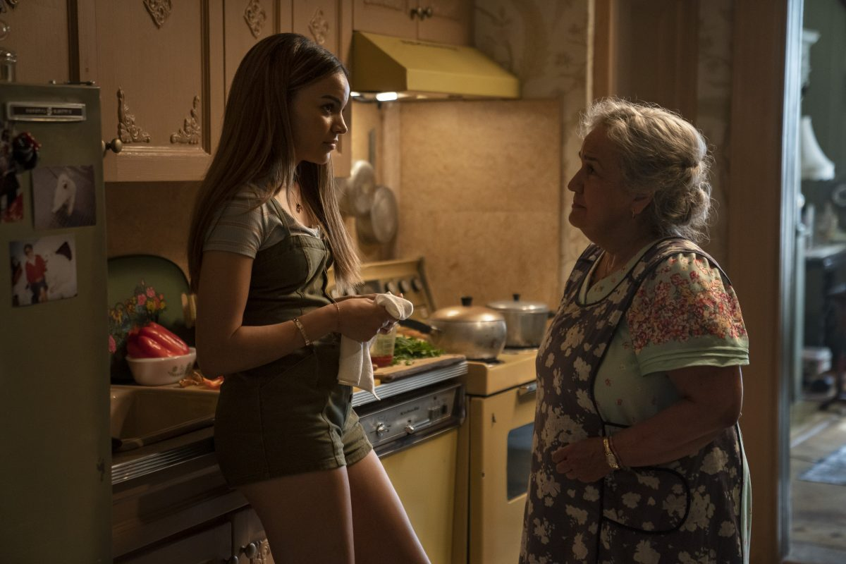 "(L-r) LESLIE GRACE als Nina Rosario and OLGA MEREDIZ als Abuela Claudia in ""IN THE HEIGHTS"